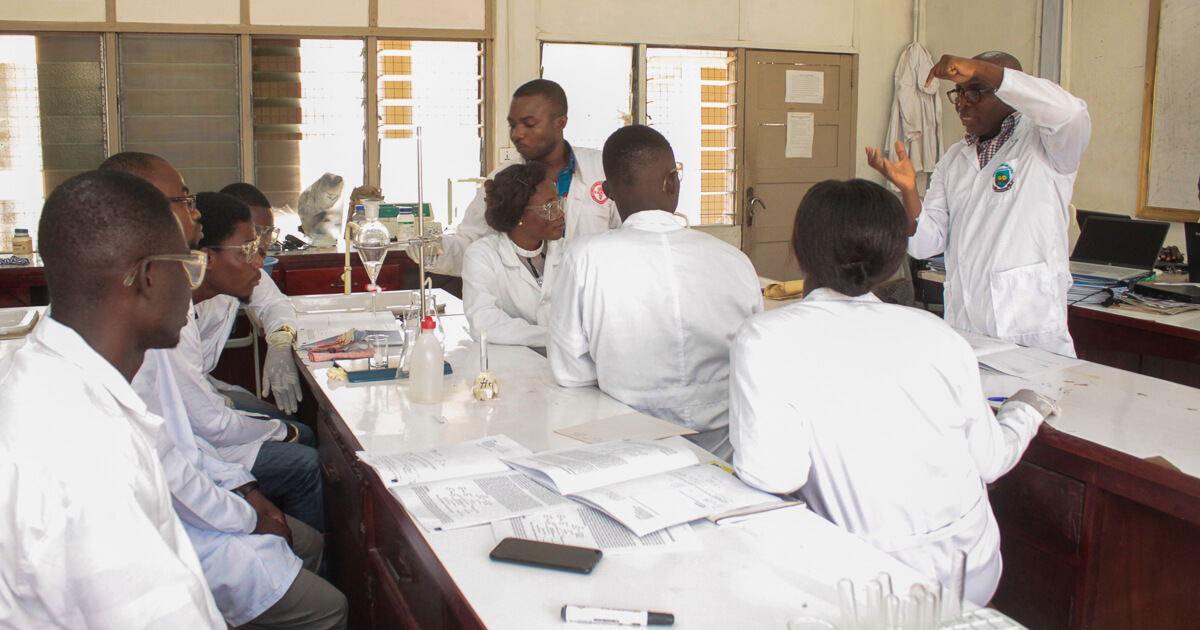 Mr. Patrick Opare teaching a lab section to level 300 students